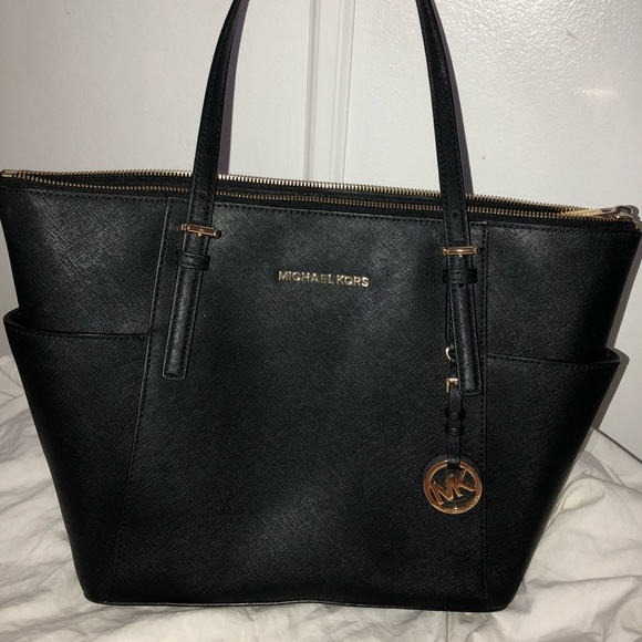 53ab8568c9cd Michael Kors Bags